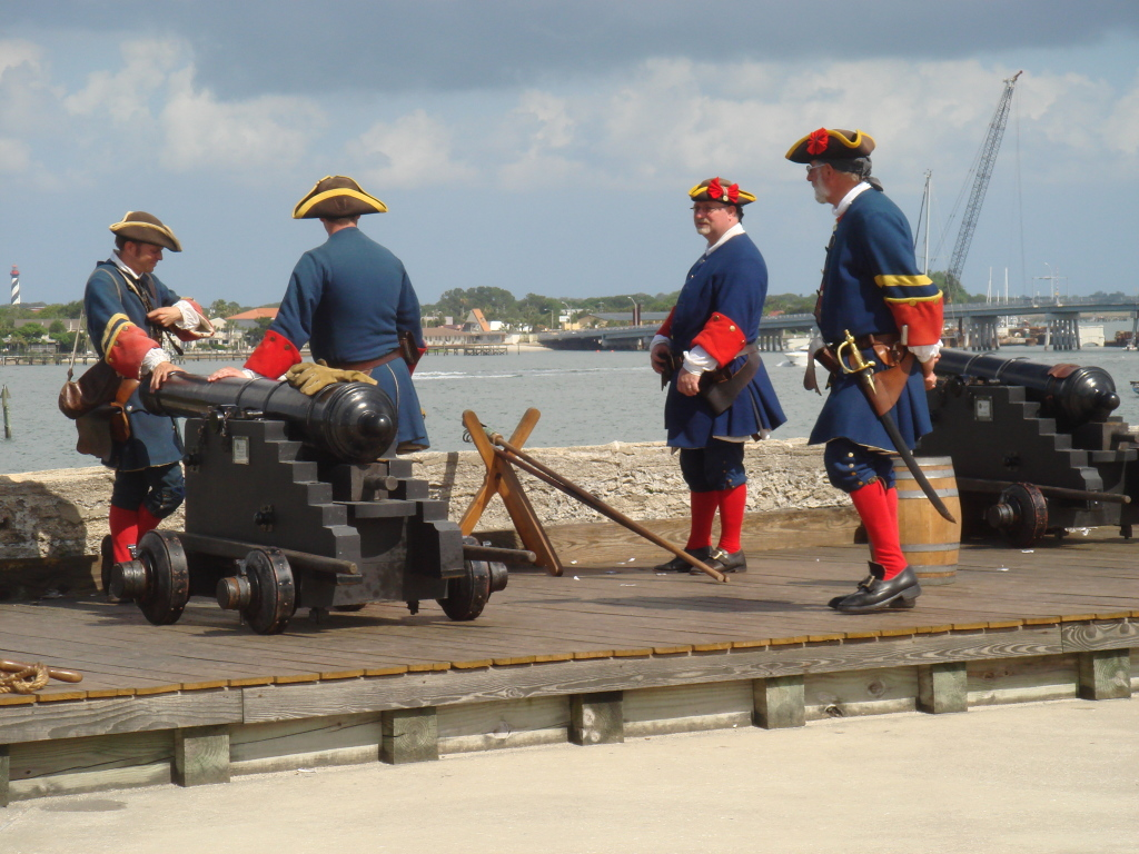 Cannon demonstrations at the fort.